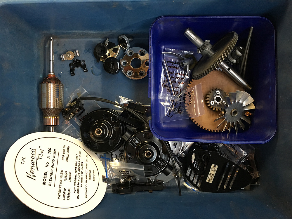 Restoring a 1951 kenwood chef electric food mixer part 1 after a lot of cleaning polishing and painting see part 2 you should end up with a box of parts like this asfbconference2016 Images