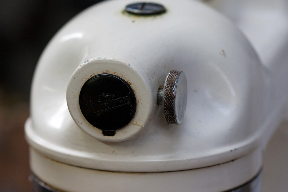 Restoring a 1951 kenwood chef electric food mixer part 1 the plastic front cover for the mincer drive is present and undamaged from my searches for these machines this is the piece that is most often missing or asfbconference2016 Images