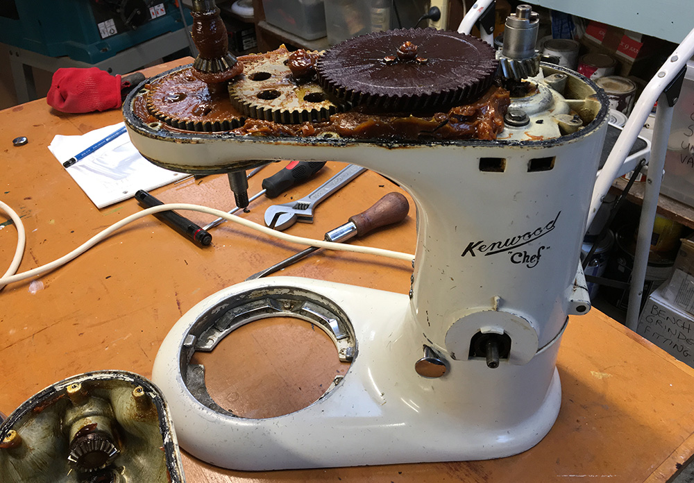 Kenwood A700 gearbox
